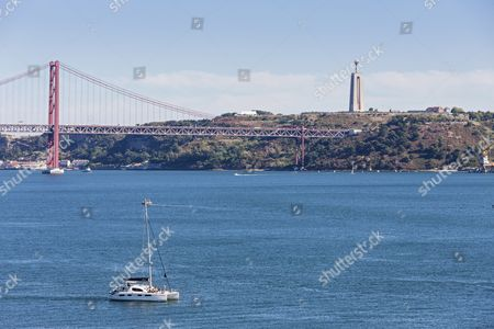 Fluss In Portugal fluss stock photos editorial images and stock pictures